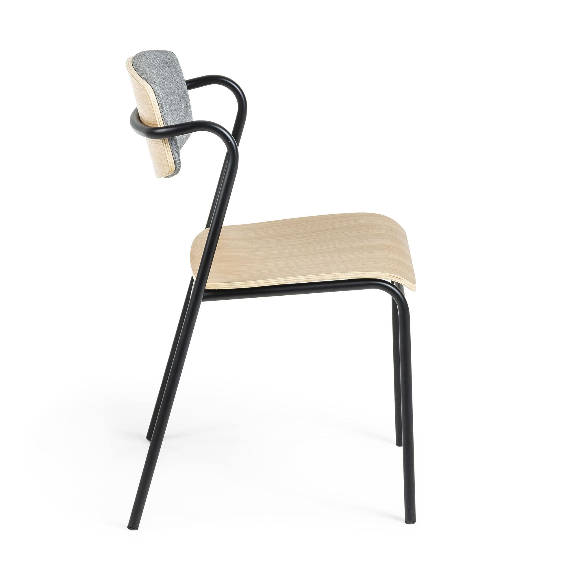 Zaha stoel van eikenhout, grijze stof en zwart metaal